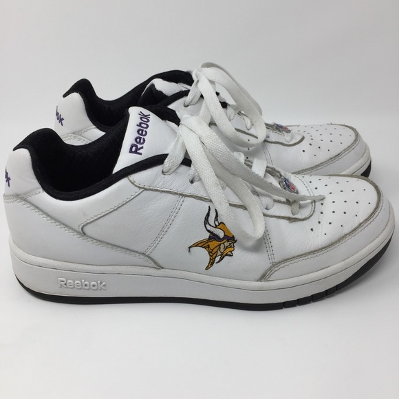 625c51d14ec3 Reebok NFL Minnesota Vikings Leather Sneakers. M 5a68f5438af1c55209d89761